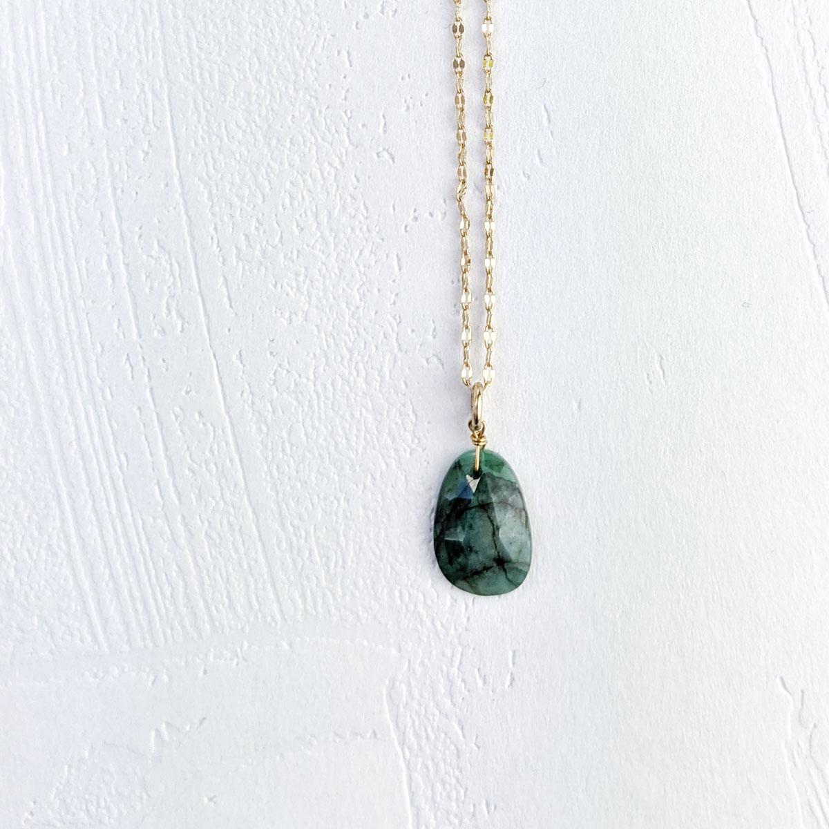 collier-alaska-emeraude